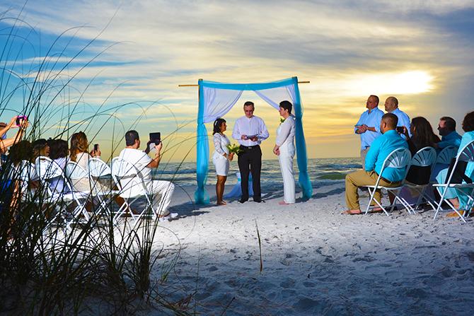 At The Beach Weddings Friendly Wedding Ceremonies In Foley Alabama