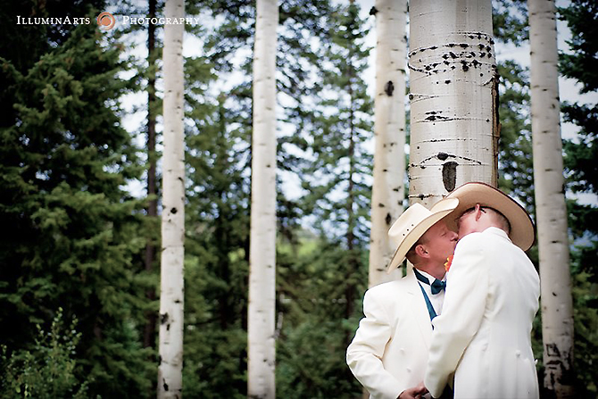Silverpick Lodge Wedding Venue and Gay Friendly Lodge grooms kissing