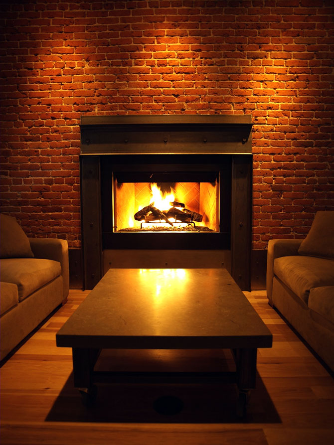 Wash Park Studio - Warm Inviting Atmosphere with Fireplace