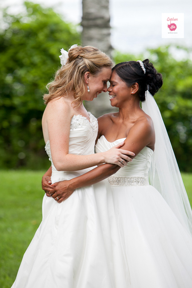 Capture Photography - Intimate photo of lesbian brides