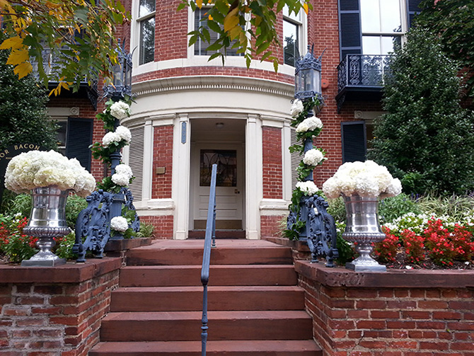 Colonial brick house in DC - the entrance to DACOR Bacon House
