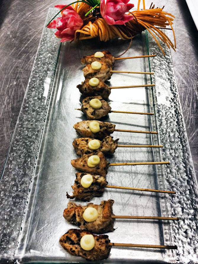 Main Event Caterers - hors d'oeuvre kabobs on silver tray