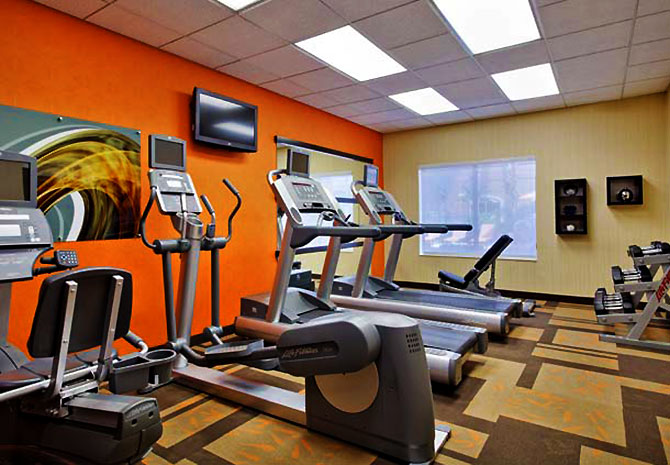Courtyard Tampa Downtown - Fitness Room
