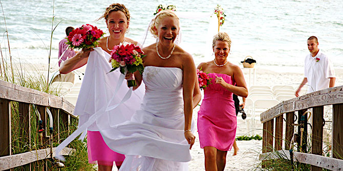 Florida Weddings Online - Bride on the beach