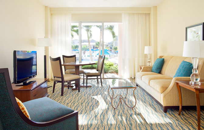 Hutchinson Island Marriott Beach Resort & Marina living room suite