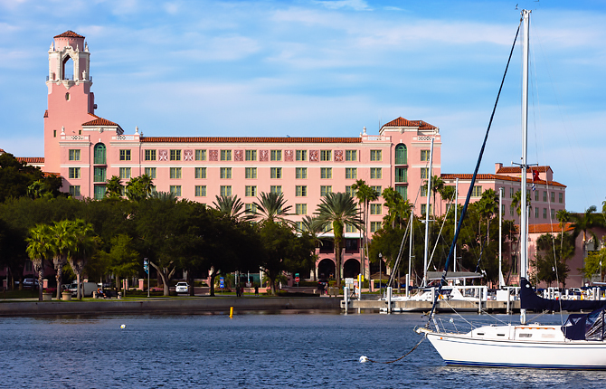 The Vinoy Renaissance St. Petersburg Resort & Golf Club exterior