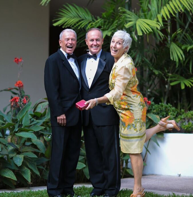 I Do Hawaiian Weddings Signing Their Marriage Certificate