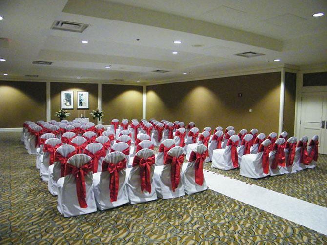 Doubletree O'Hare Indoor Wedding Ceremony