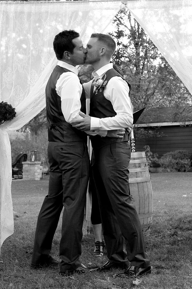 Flow Ceremonies - LGBT Grooms Wedding Kiss
