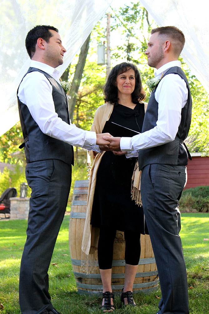 Flow Ceremonies - Grooms exchanging vows
