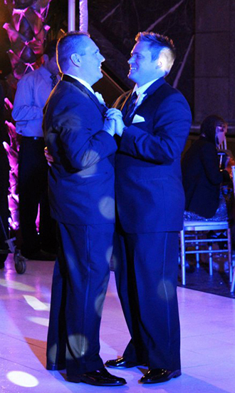 MDM Entertainment - Gay couple dancing and elegant decor