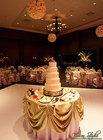 The Stonegate Conference and Banquet Centre - Wedding Cake