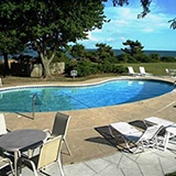 Black Walnut Point Inn - Pool and deck