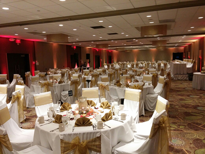 Holiday Inn Ann Arbor Near the Iniversity of Michigan LGBT Wedding venue Ann Arbor Michigan