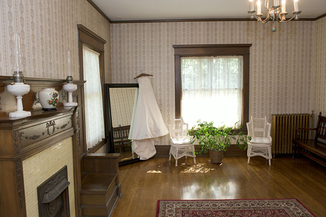 Dressing Room - Summit Manor - Historic Wedding Venue - St. Paul Minnesota