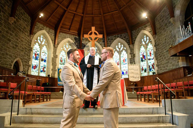 Mitch the Minister performs same-sex wedding ceremony in New Jersey