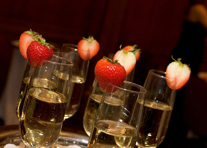The Grand Summit Hotel - Strawberries and champagne