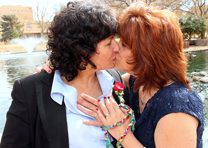 Ricci Photography New Mexico - LGBT women kissing