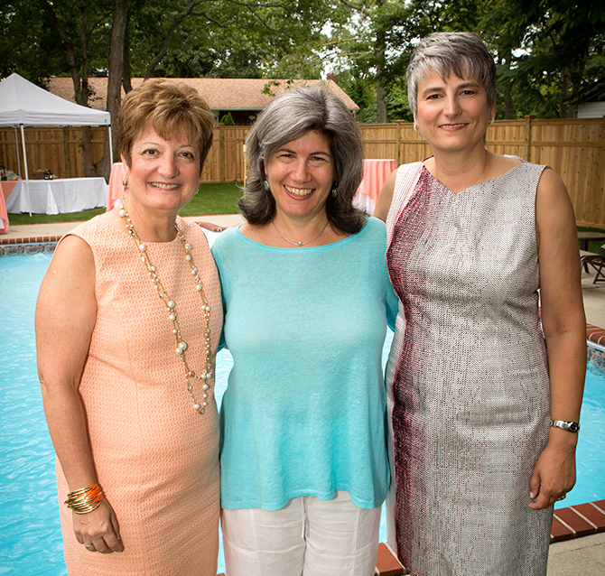 Alice Soloway Weddings - Officiant with lesbian brides poolside