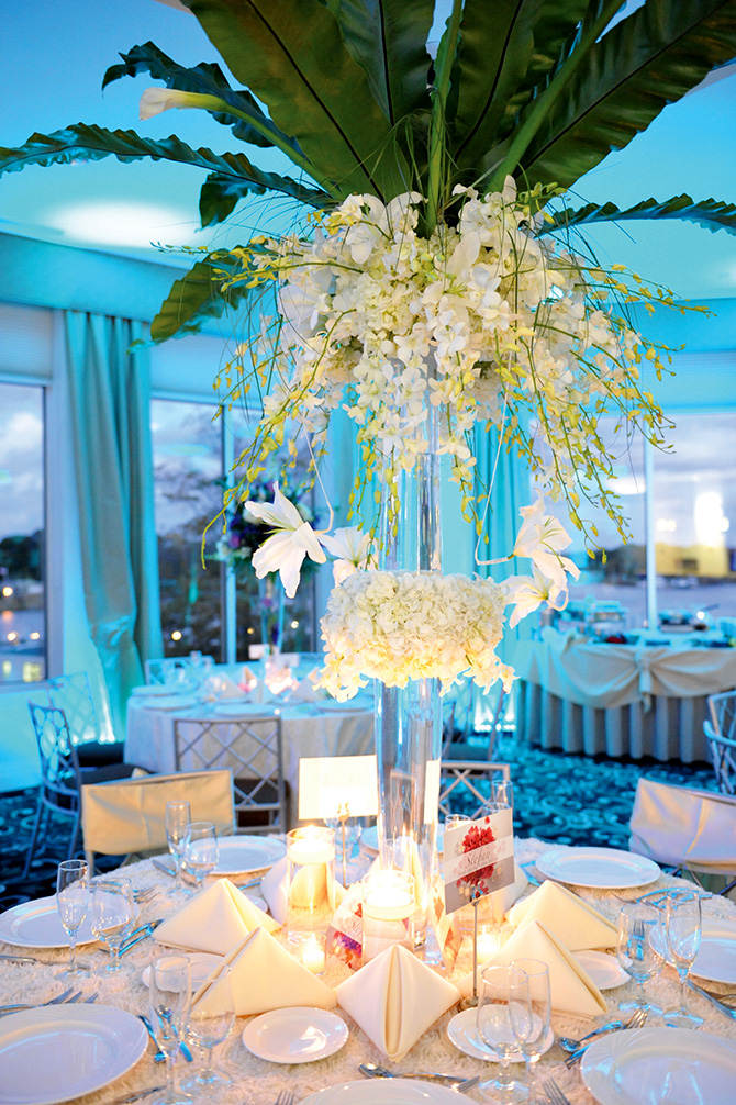 Atlantis Banquets and Events - Elegant table centerpiece