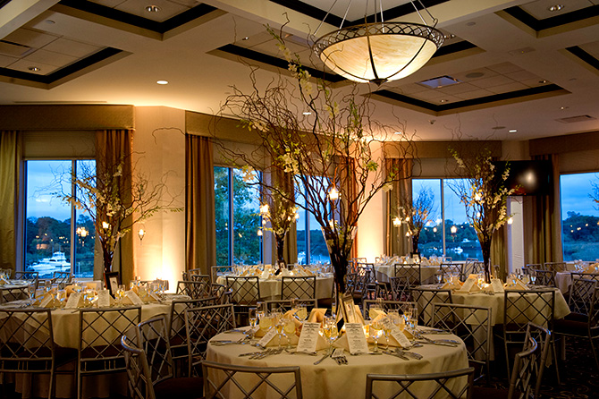 Atlantis Banquets and Events - Willow Themed Reception Decor