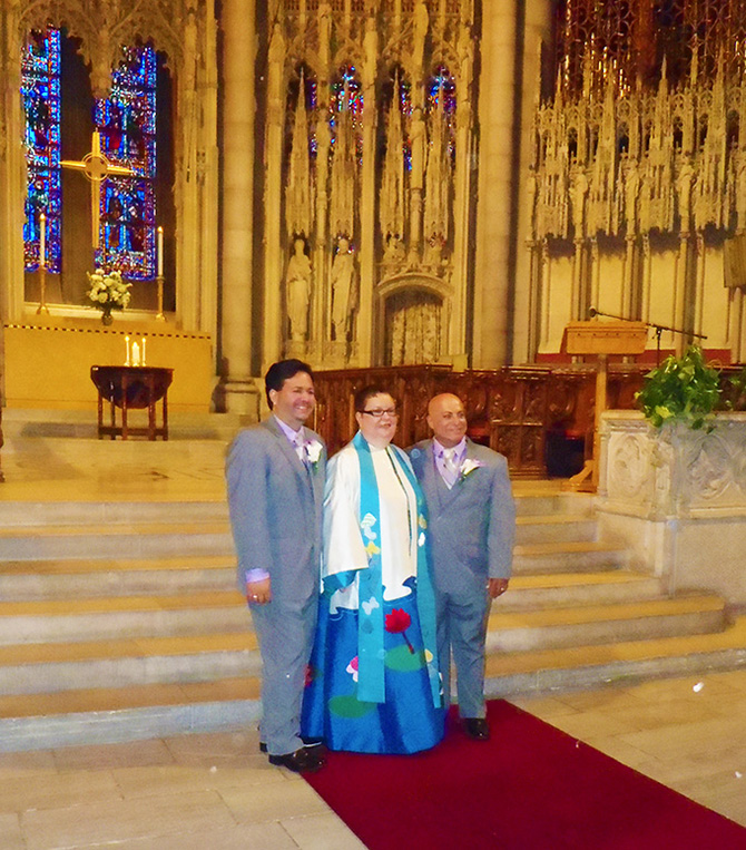 Gay wedding ceremony held in historic NYC chapel performed by Reverend Luisa Porrata