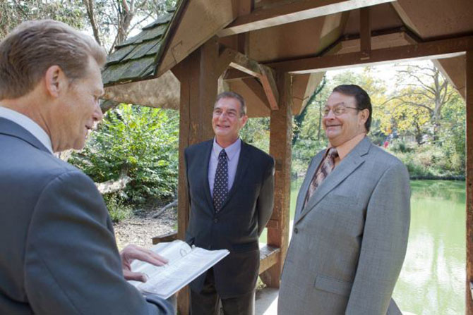 Wed in NYC - Gay wedding officiant performing marriage ceremony