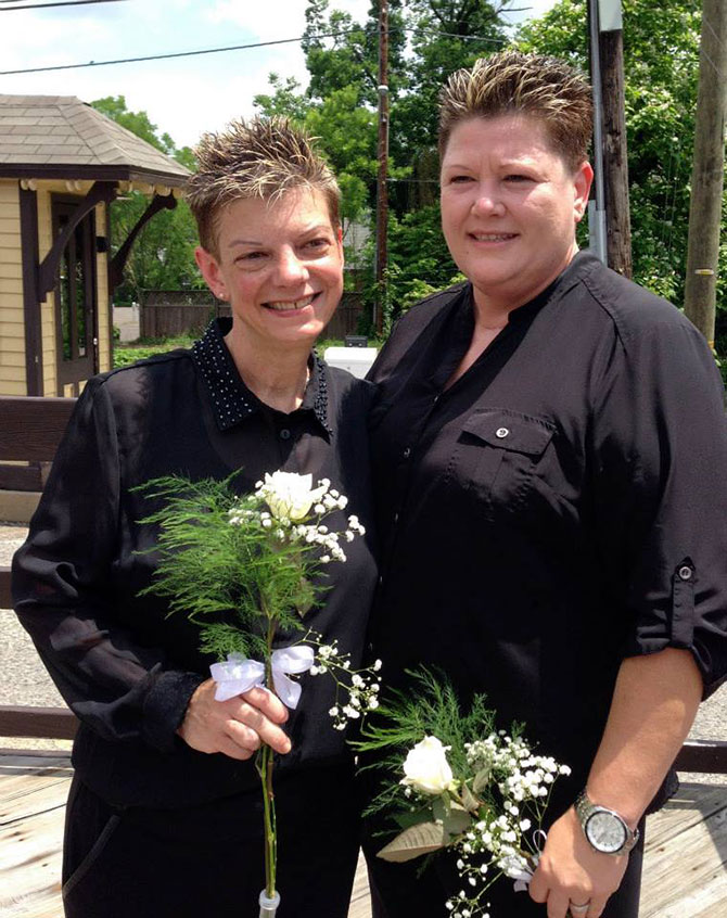 Reverend Lisa Bruecks - Reverend Lisa Bruecks -  Marriage officiant performing lesbian weddings in PA.