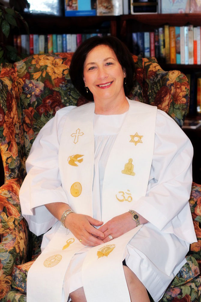 Reverend Lisa Bruecks - Ordained interfaith minister performing LGBT weddings