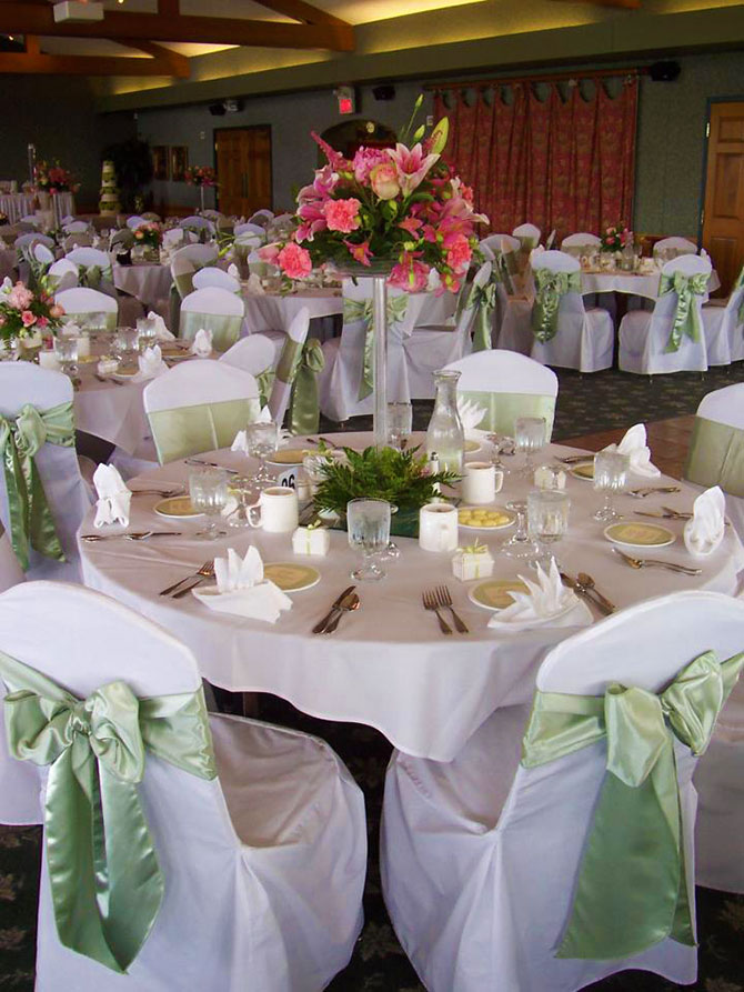 United Party Al Center Reception Table With Lime Green Satin Accent
