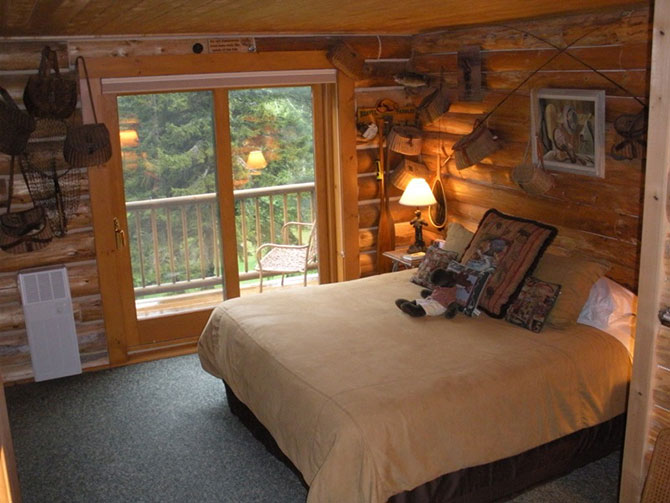 Moose Meadow Lodge - Creel Guestroom