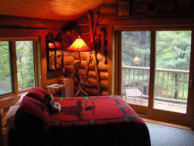 Moose Meadow Lodge - Teddy Bear Guestroom