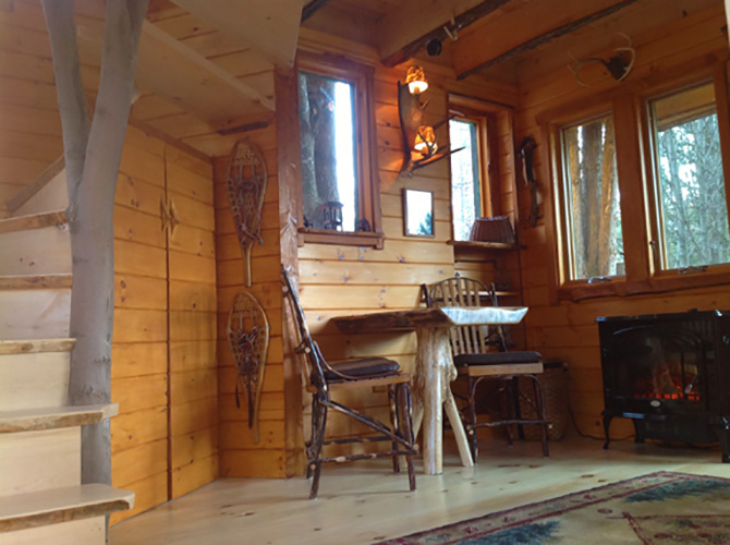 Moose Meadow Lodge -Tree House Interior