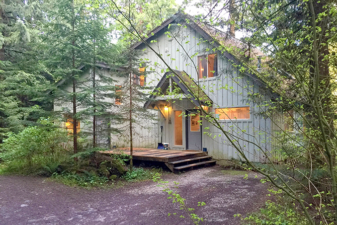 Mount Baker Lodging, Inc. - 2-story cabin